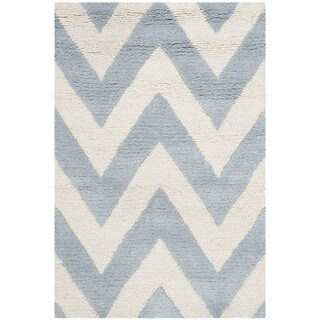 Safavieh Handmade Moroccan Cambridge Chevron Light Blue Wool Rug (2' x 3')