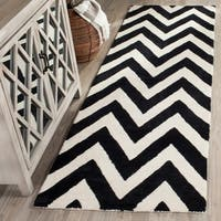 Safavieh Handmade Moroccan Cambridge Chevron Black Wool Rug - 2'6 x 8'