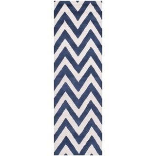 Safavieh Handmade Moroccan Cambridge Chevron Navy Wool Rug (2'6 x 12')