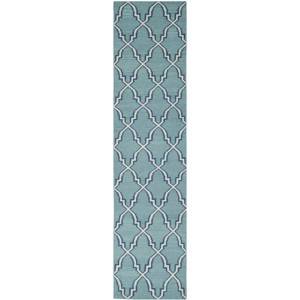 Safavieh Hand-woven Moroccan Reversible Dhurrie Light Blue Wool Rug (2'6 x 10')