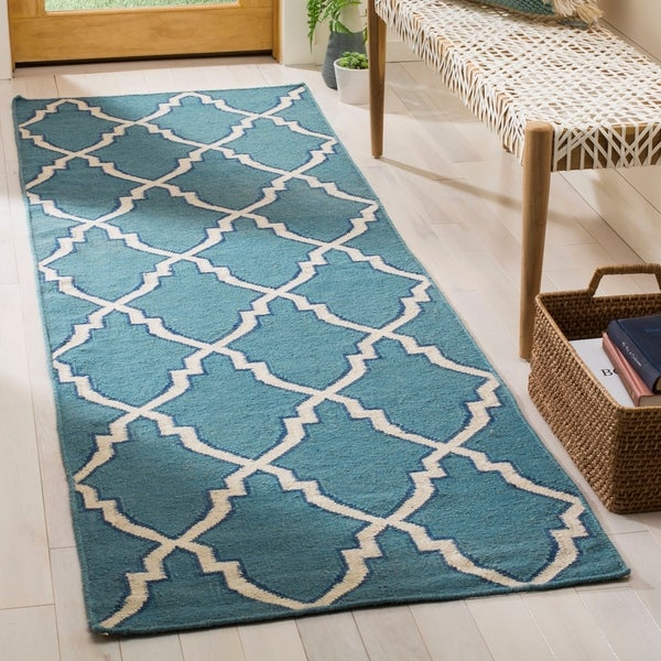Shop Safavieh Hand-woven Moroccan Reversible Dhurrie Light