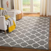 Safavieh Handwoven Moroccan Reversible Dhurrie Grey Diamond Wool Rug - 5' x 8'