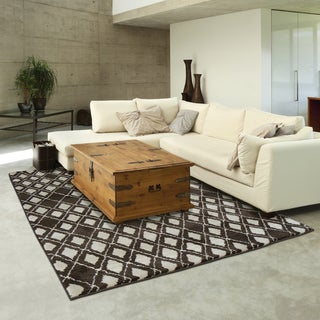 Old World Tribal Brown/ Ivory Rug (9'9 x 12'2)