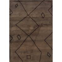 "Old World Tribal Brown/ Ivory Area Rug (7'10 x 10'10) - 7'10"" x 10'10"""