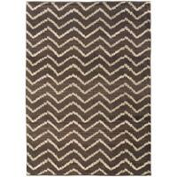 """Old World Tribal Brown/ Ivory Area Rug (4' x 5'9) - 4' x 5'9"""""""