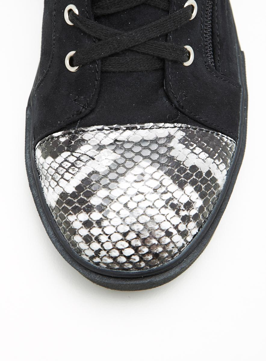 Wanted Varick Sneaker With Studs - Thumbnail 2