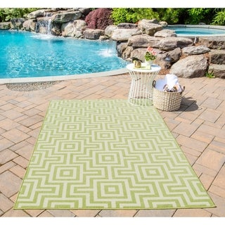 Momeni Baja Retro Green Indoor/Outdoor Area Rug  (1'8 x 3'7)