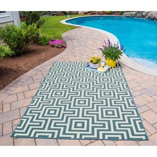 Indoor/ Outdoor Blue Retro Rug (3'11 x 5'7)