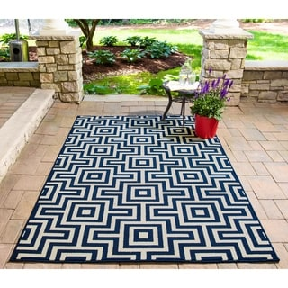 Indoor/ Outdoor Retro Navy Rug (3'11 x 5'7)