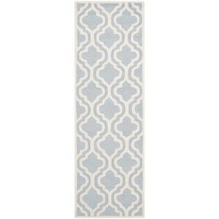 Safavieh Handmade Moroccan Cambridge Light Blue/ Ivory Wool Rug (2'6 x 6')