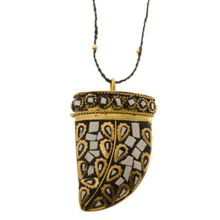 Charming Life Goldtone Tibetan Bone 'Cuerno Negro' Horn Necklace