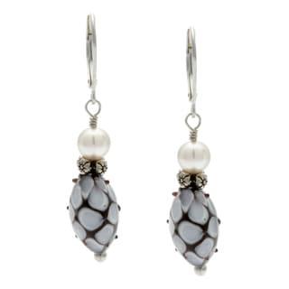 Lola's Jewelry Sterling Silver 'Black Daisy' Glass Earrings