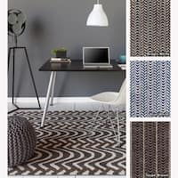Artist's Loom Hand-tufted Contemporary Chevron Wool Rug (7'x10')