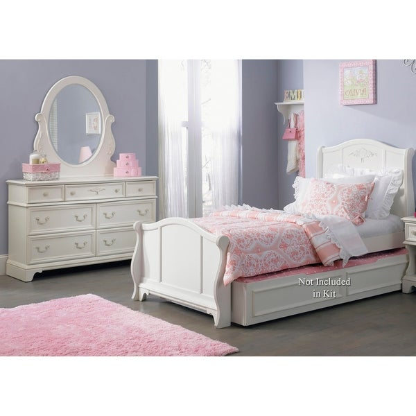 Arielle Antique White Wood Dresser and Mirror Set