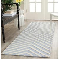 Safavieh Handmade Moroccan Cambridge Light Blue/ Ivory Wool Runner Rug - 2'6 x 6'