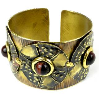 Handcrafted Roulette Red Tiger Eye Brass Cuff (South Africa)