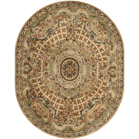 "Safavieh Hand-made Classic Taupe/ Light Green Wool Rug - 4'6"" x 6'6"" Oval"