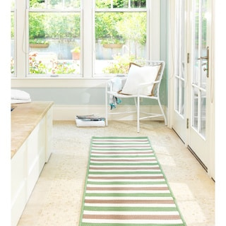 Striped Out Indoor/ Outdoor Area Rug (6' x 9')