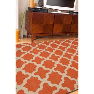 Handmade Flat Weave Geometric Pattern Red/ Orange Rug (9' x 12')