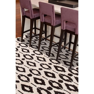 Hand-tufted Contemporary Geometric Gray/ Black Cheetah Accent Rug (2' x 3')