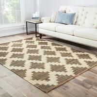 Damascus Natural Trellis Gray/ White Area Rug (8' X 10') - 8' x 10'