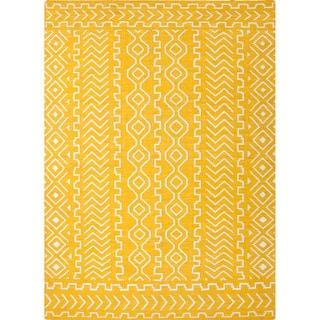 Handmade Flat Weave Tribal Pattern Yellow Rug (5' x 8')