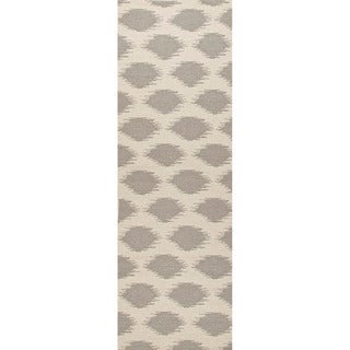 Handmade Flat Weave Tribal Pattern Grey/ Brown Rug (2'6 x 8')