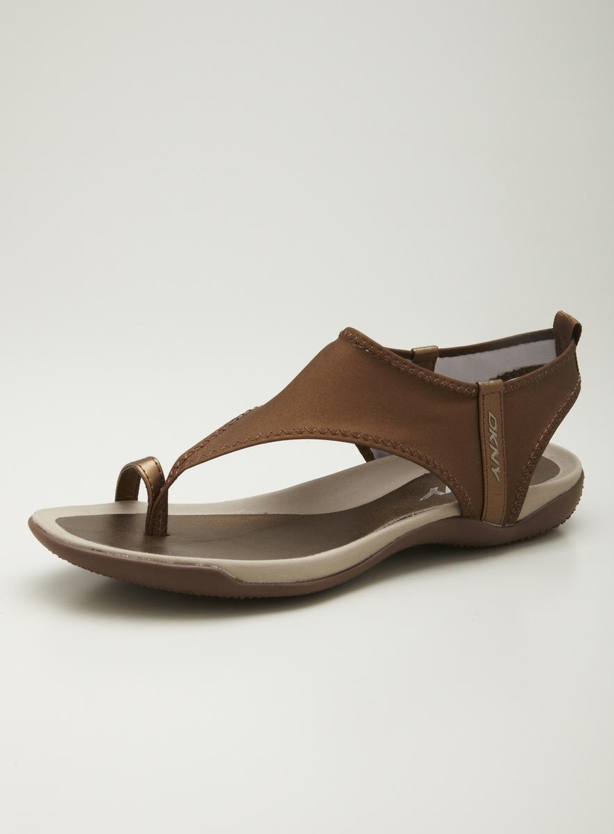 DKNY Sygnal Comfort Toe Ring Sandal