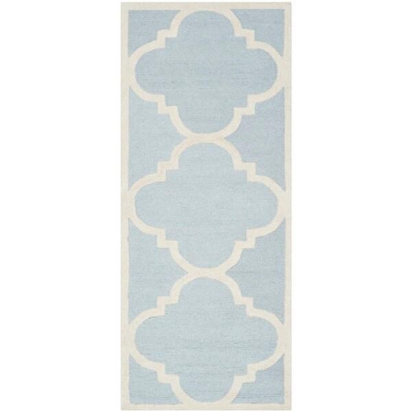 Safavieh Handmade Moroccan Cambridge Light Blue/ Ivory Wool Runner Rug - 2'6 x 12'