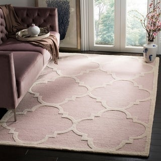 Safavieh Handmade Moroccan Cambridge Light Pink/ Ivory Wool Rug (4' x 6')