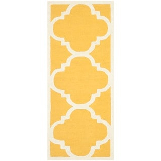 Safavieh Handmade Moroccan Cambridge Gold/ Ivory Wool Rug (2'6 x 6')