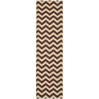 Safavieh Courtyard Chevron Dark Brown Indoor/ Outdoor Rug (2'3 x 12')