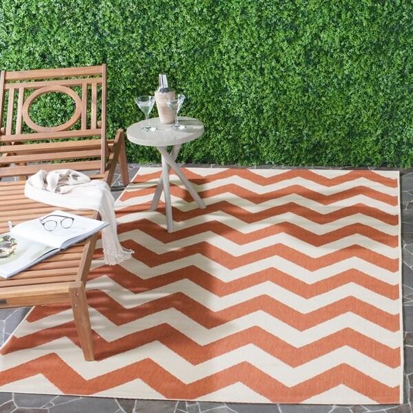 Safavieh Courtyard Chevron Terracotta/ Beige Indoor/ Outdoor Rug - 8' x 11'