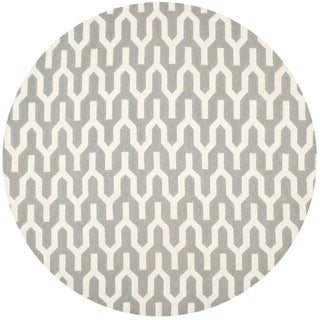 Safavieh Hand-woven Moroccan Reversible Dhurrie Silver Wool Rug (7' Round)