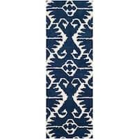Safavieh Hand-made Wyndham Royal Blue/ Ivory Wool Rug - 2'3 x 7'