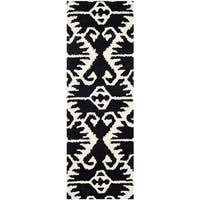 "Safavieh Handmade Wyndham Black/ Ivory Wool Rug - 2'3"" x 7'"