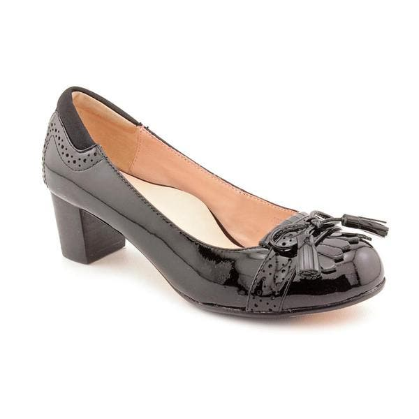 be4711f5c4026 Shop Taryn Rose Women s  Justine  Patent Leather Dress Shoes (Size 6 ...