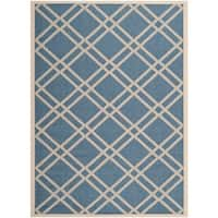Safavieh Indoor/ Outdoor Courtyard Crisscross-pattern Blue/ Beige Rug - 5'3 x 7'7