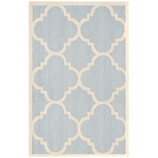 Safavieh Handmade Moroccan Cambridge Light Blue/ Ivory Wool Rug (4' x 6')