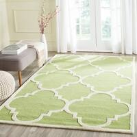 Safavieh Handmade Moroccan Cambridge Green/ Ivory Wool Rug - 5' x 8'