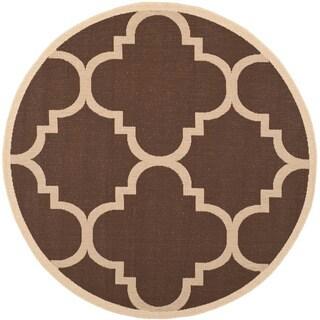 Safavieh Courtyard Quatrefoil Dark Brown Indoor/ Outdoor Rug (7'10 Round)