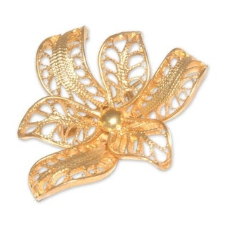 Handmade Gold Overlay 'Tropical Orchid' Filigree Brooch (Peru)