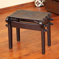 Handmade Tornillo Wood and Leather 'Nobility' Stool (Peru)