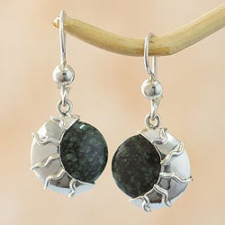 Handmade Sterling Silver 'Place of the Moon' Jade Earrings (Guatemala)