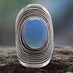 Handmade Sterling Silver Jaipur Skies Anodized Aluminum Chalcedony Ring (India)