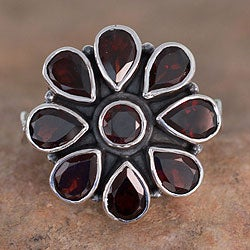 Sterling Silver 'Floral Glamour' Garnet Ring (India)