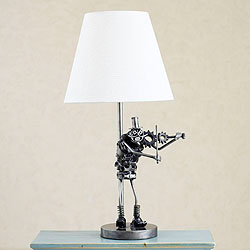 Handmade Recycled Metal 'Rustic Fiddler' Table Lamp (Mexico)