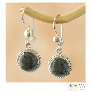 Handmade Sterling Silver 'Mixco Moon' Jade Earrings (Guatemala)