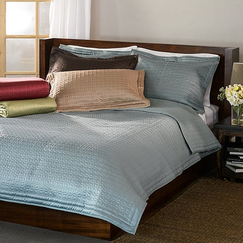 Quilted Coin 3-piece Quilt Bedding Set