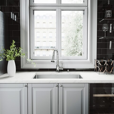 VIGO All-in-One 30-inch Stainless Steel Undermount Kitchen Sink and Harrison Chrome Faucet Set